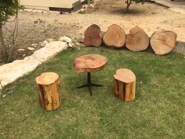 פינת ישיבה מעץ גושי
