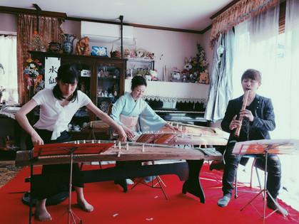 2018 5月  於日本千葉縣參與日本箏演奏家石塚知江舉辦之音樂會。