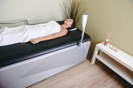 Uvolňující masáž na vodním lůžku Hydrojet