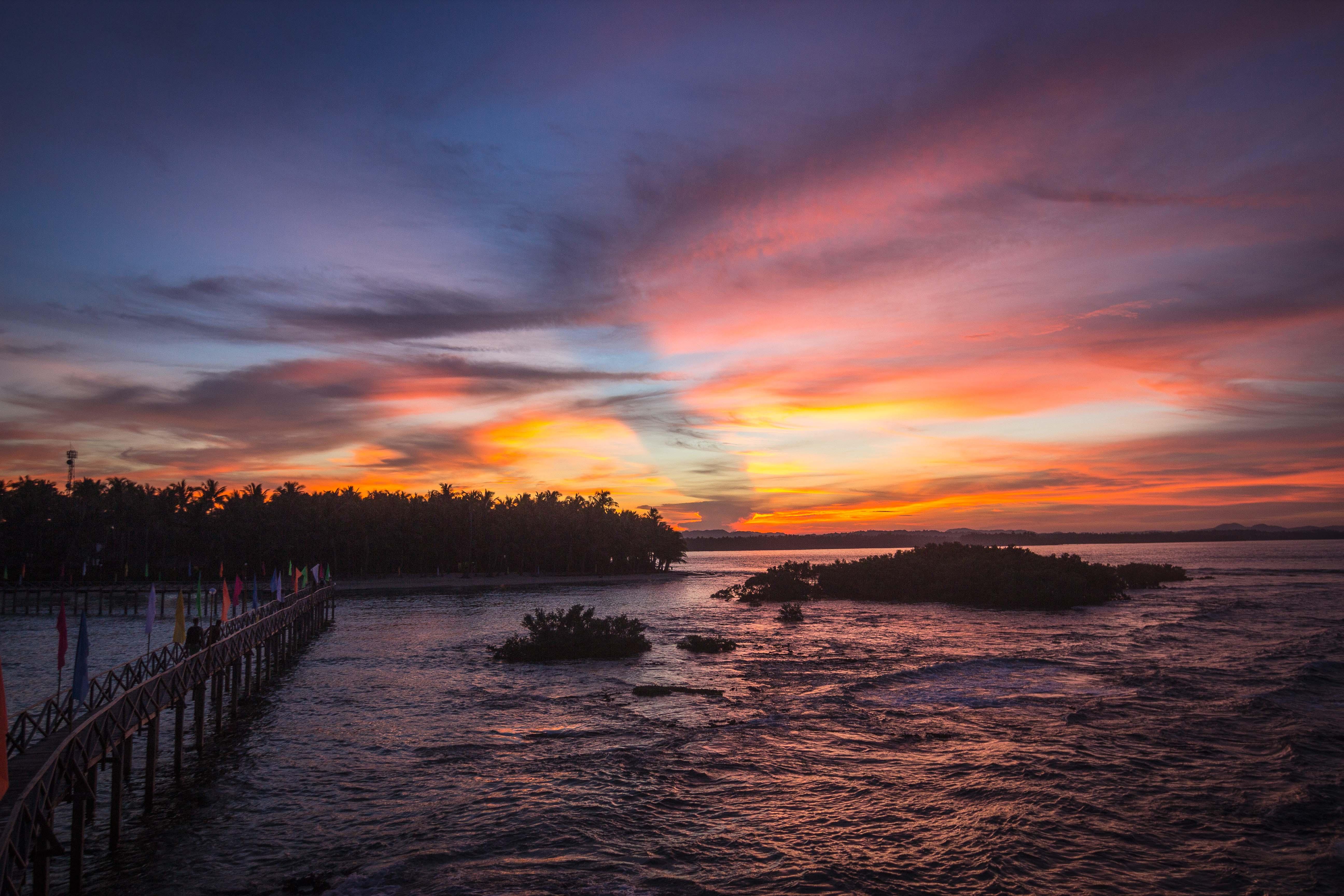 Auringonlasku Cloud 9