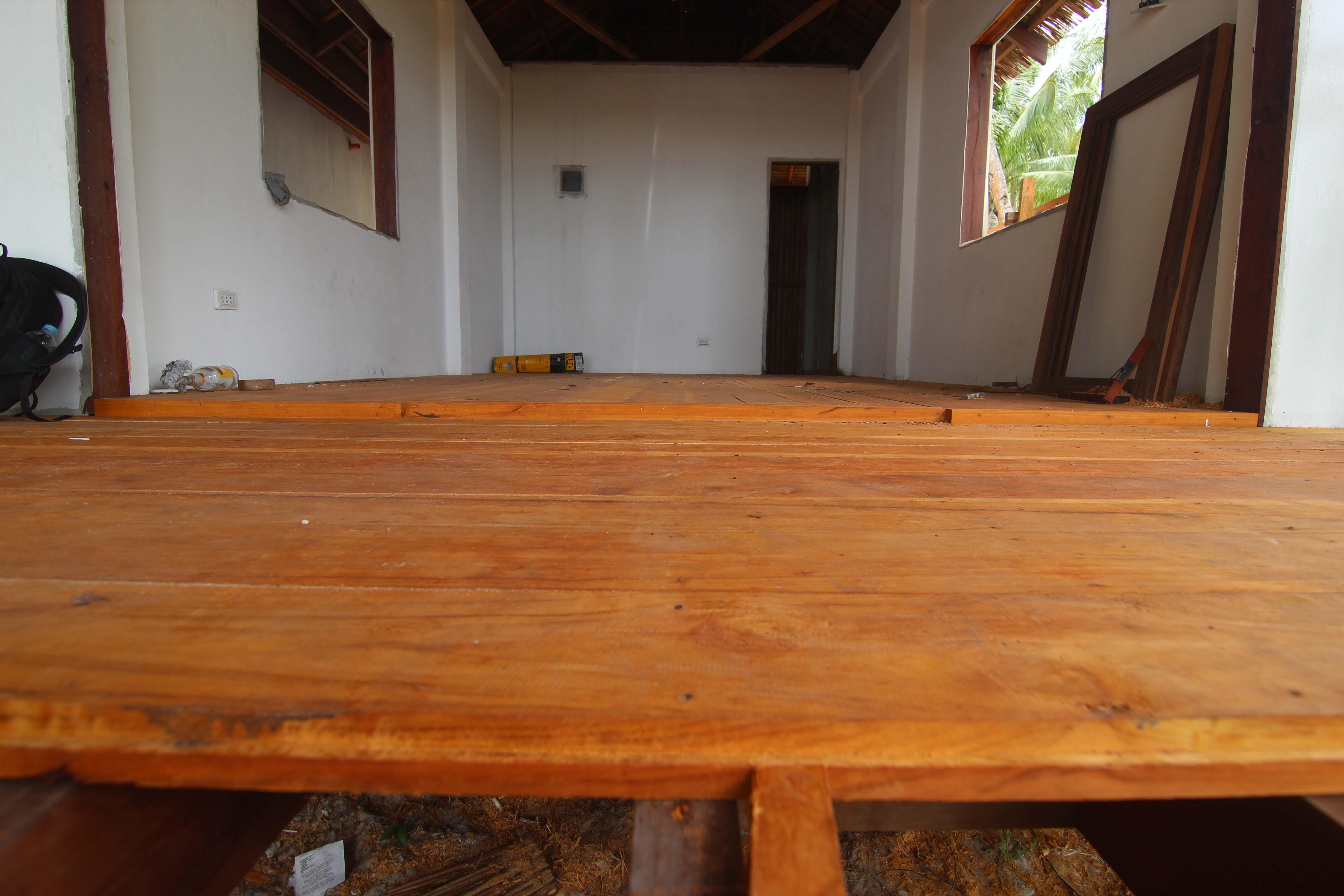 Surfing Carabao floor