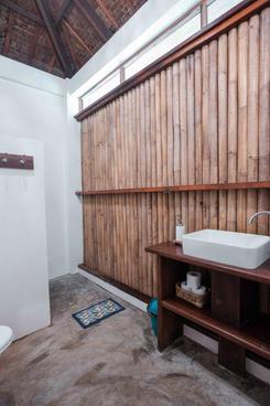 Beach Houses - Bath room