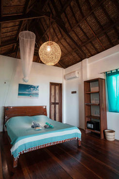 Beach Houses - Bed room