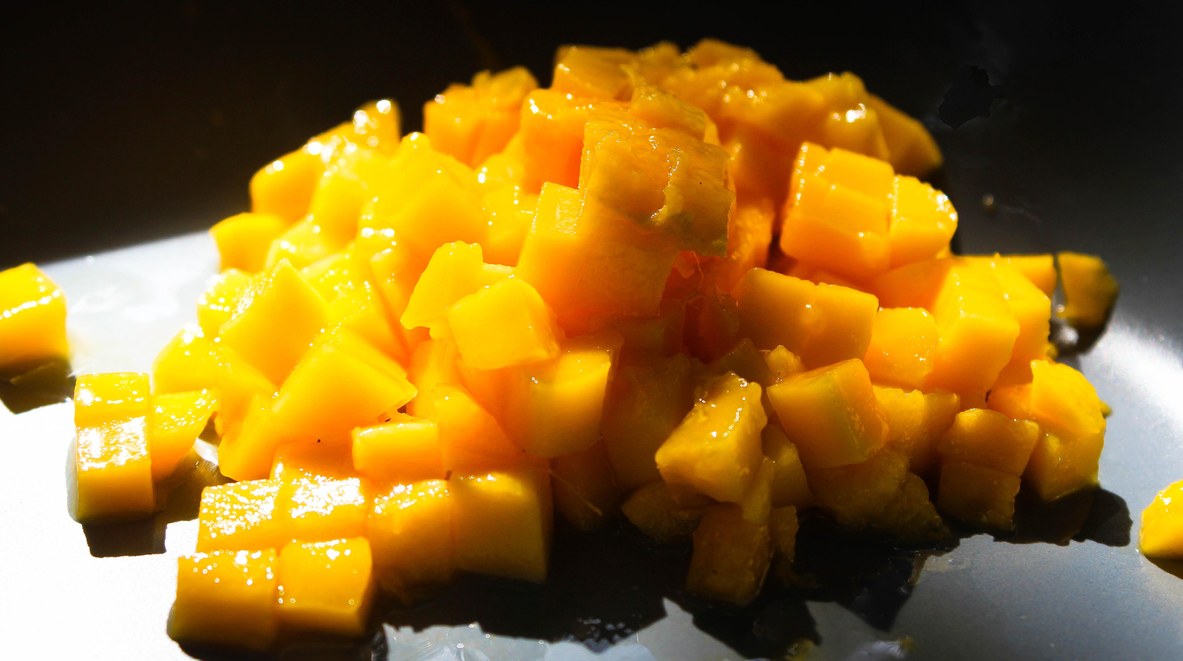 Tuoretta mangoa