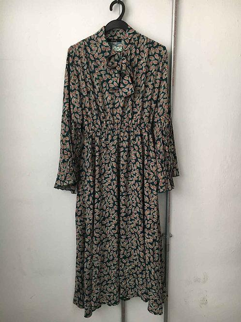 Nostalgic dress 31