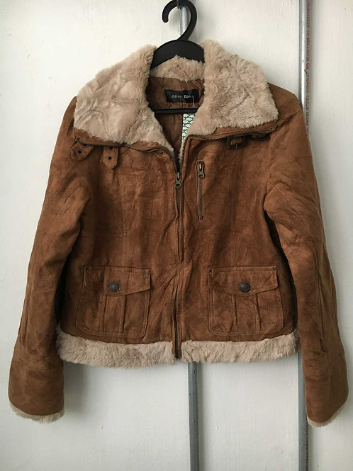 Female sea tiger jacket 1