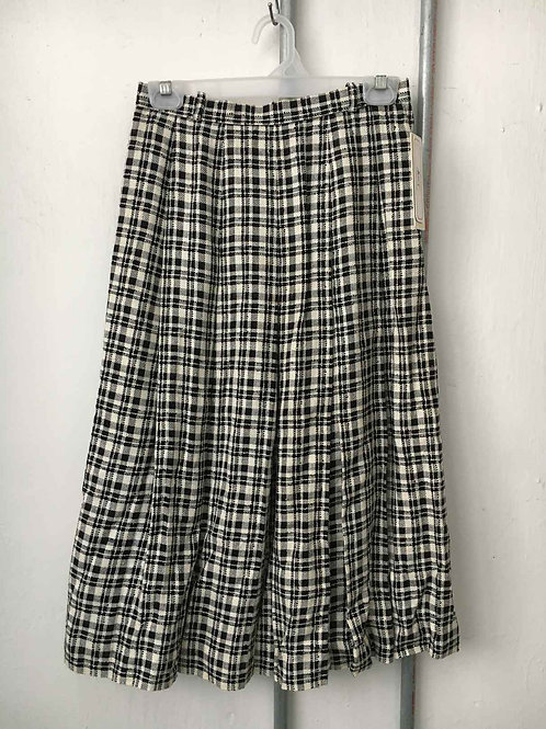 Checkered skirt 1