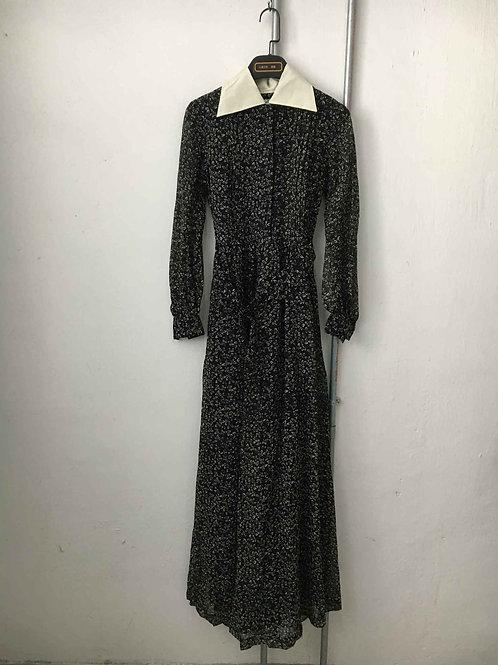 Nostalgic dress 14