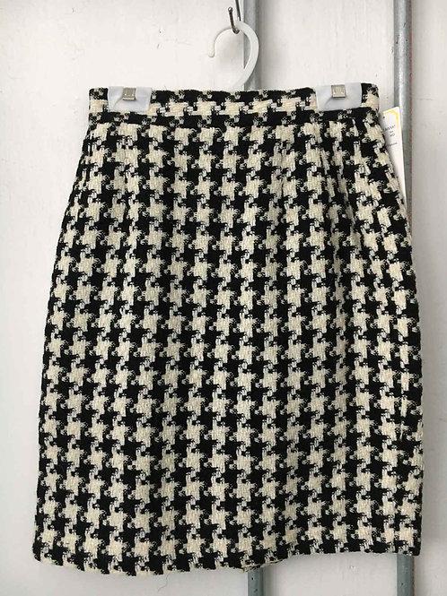 Checkered skirt 4