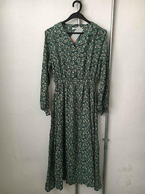 Nostalgic dress 11