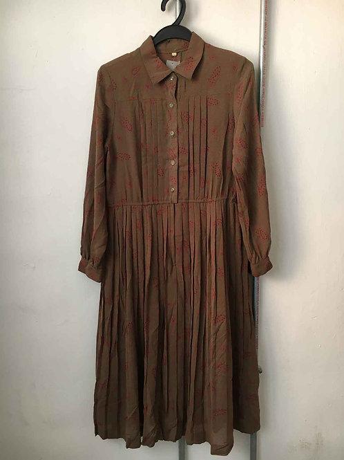 Nostalgic dress 33