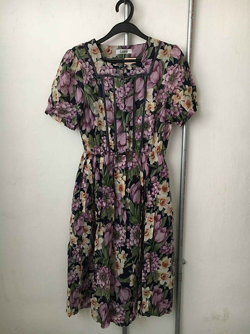 Nostalgic dress 10