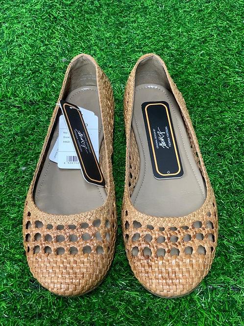 Women's shoes 19