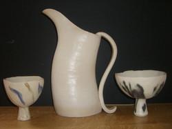 websize jug and 2 bowls
