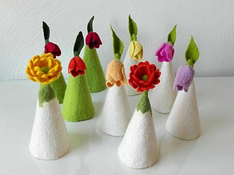 gefilzte Eierwärmer Blumen Merino