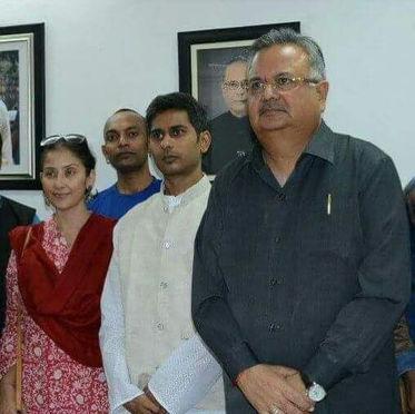 Hon'le CM of Chhattisgarh & Manisha Koirala with Guruji
