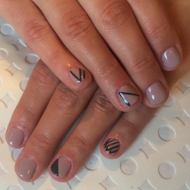 Neutral geometric #nailsoncrockett #cndshellac #nailart