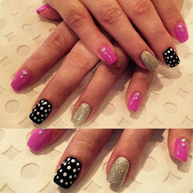 Just a little Monday nail art #nailsoncrockett #cndbrisagel #cndshellac