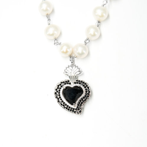 Rocky Radiant Heart Pearl Necklace (Black)