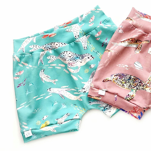 SWIMMING SEALS STANDARD LENGTH SHORTS SIZE 12-18