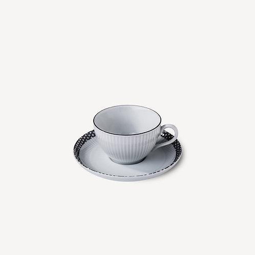 PILLIVUYT - Tasse et soucoupe thé en porcelaine Ville de Paris