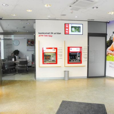 SKB digital display