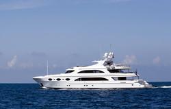yacht à moteur