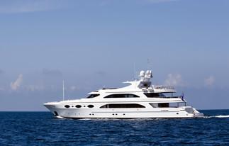 matelot à bord d'un yacht