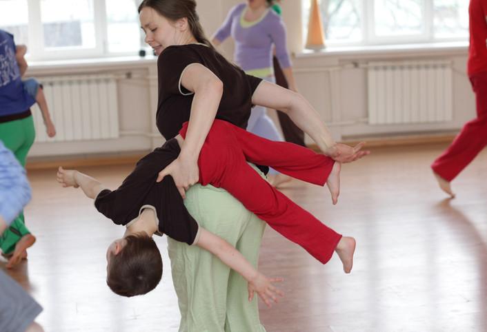 Contakids: instant de danse parent-enfant