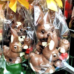 Bolsa con figuras de chocolate
