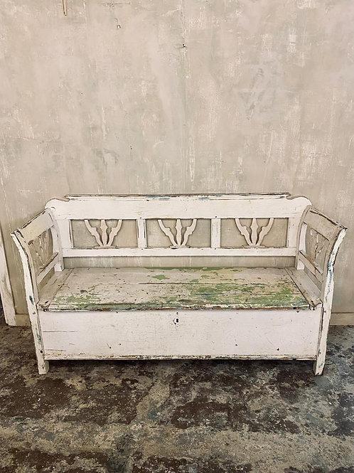 Gorgeous chippy paint box bench