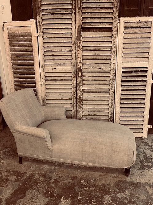 Pretty little french chaise