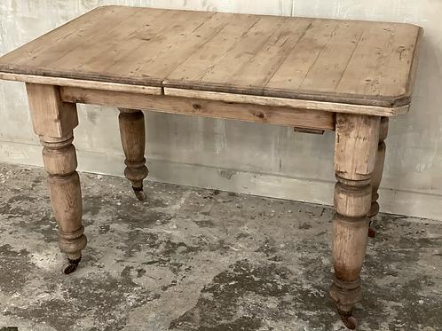 Little pine table