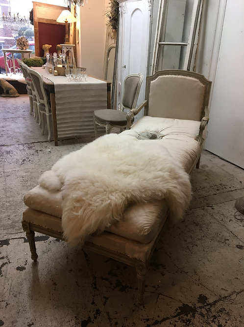 Beautiful French antique chaise