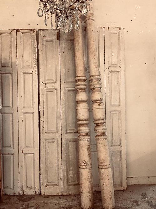 Set of 3 beautiful pillars