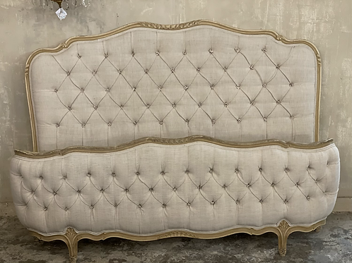 Stunning French king size buttoned bed