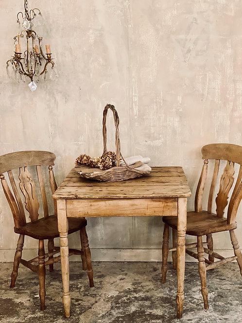 Little pine kitchen table