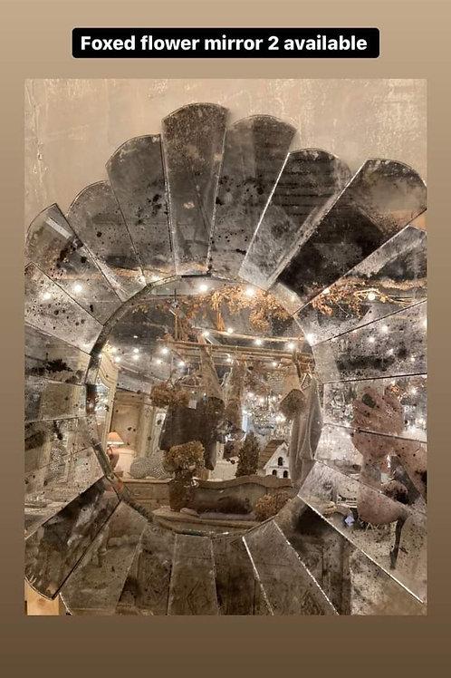 Unusual flower mirror