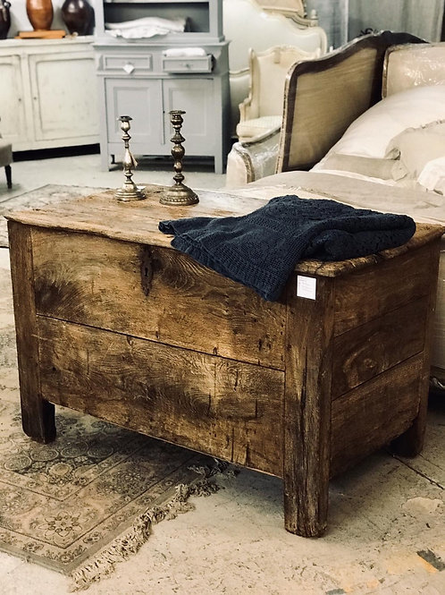 Lovely antique trunk/coffer