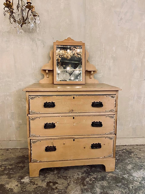 Sweet Dressing Table