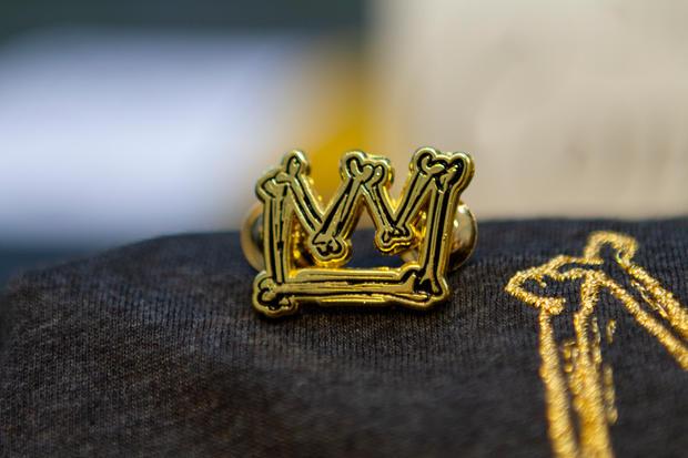Pa'lante Bone Crown Pin