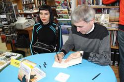 Signatura de llibres: Las enseñanzas de Sherlock Holmes, a la Llibreria Gigamesh.