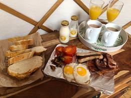 breakfast hampers