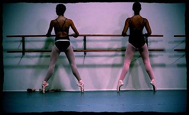 Mill Ballet School Students on Pointe