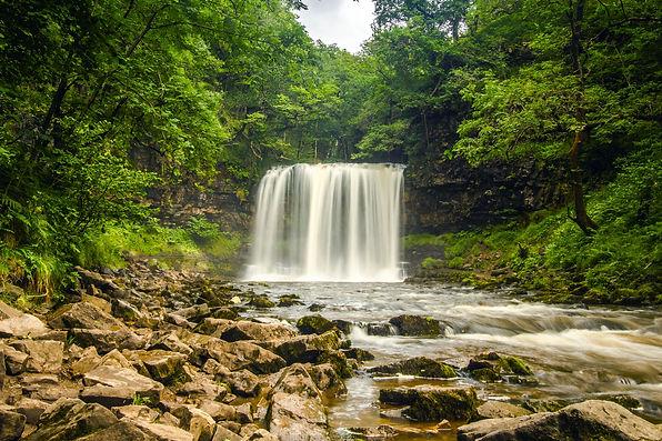 waterfall-2090886.jpg