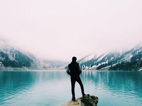 mountain-lake-1030924_1920.jpg