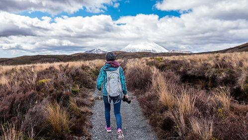 hiking-1246836_1920.jpg