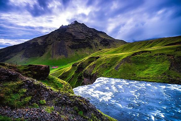 iceland-1829250_1920.jpg
