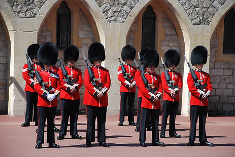 changing-of-the-guards-959470.jpg