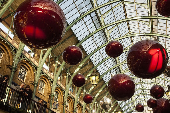 christmas-decorations-879783_1920.jpg